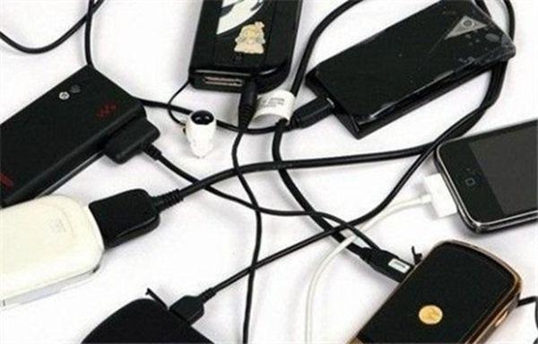 这样充电真的会爆炸的!手机充电的正确姿势!