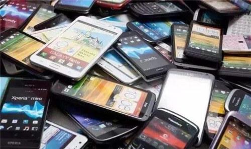 买二手手机的都是穷人